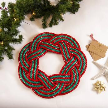CHRISTMAS SWIRL SAILORS WREATH- DORY RED
