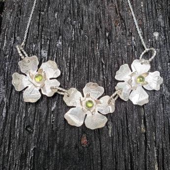 Yamka 3-flower sterling necklace