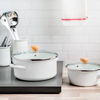 Enamel pot with a glass lid - White