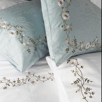 Daisy Vines Bedding Set