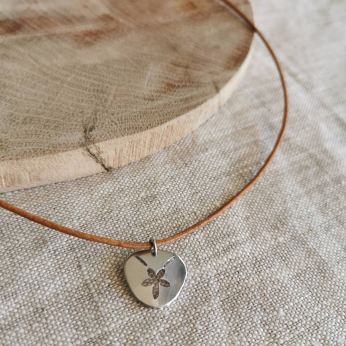 Pansy Shell Necklace