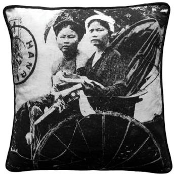 Conducteur de Pousse-Pousse / Tonkin Cyclo Women Cushion Cover
