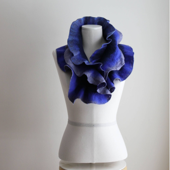 Double Wing Boa Scarf / Blue