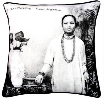 CUSHION COVER: STANDARD W PIPING – FEMME SAIGONNAISE