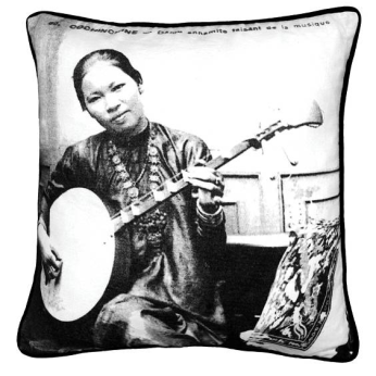 Cushion Cover with binding -  Dame Annamite / Guitar Woman