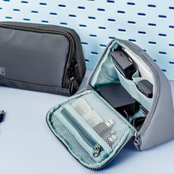 Fix In  Gadget Pouch Triangle / Travel Organizer