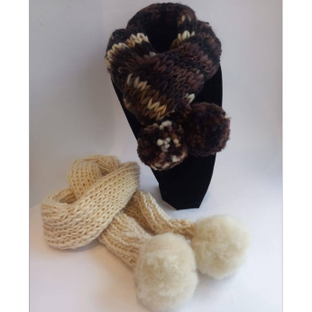 Wool scarves with PomPom
