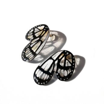 Metona Grandiosa Half Butterfly Rounded Earrings