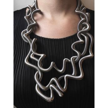 La Mollla Curly Necklace